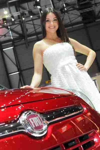 2012-geneva-motor-show-ladies