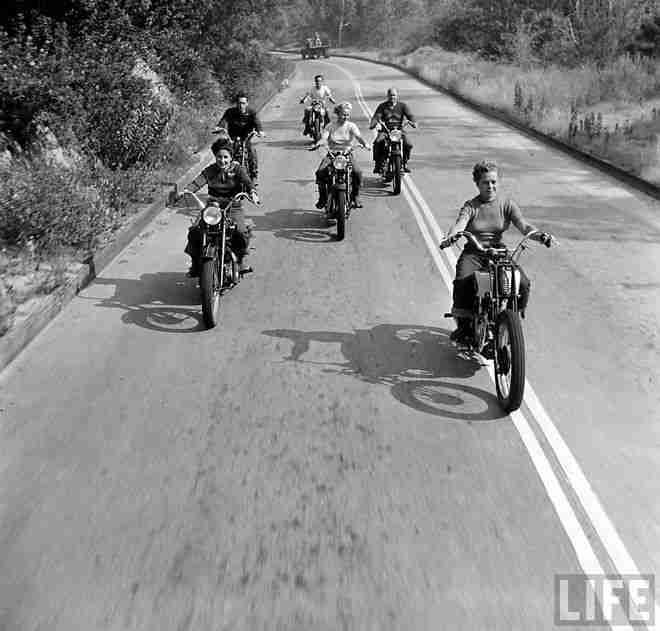 Bike Girls · Miss Moss