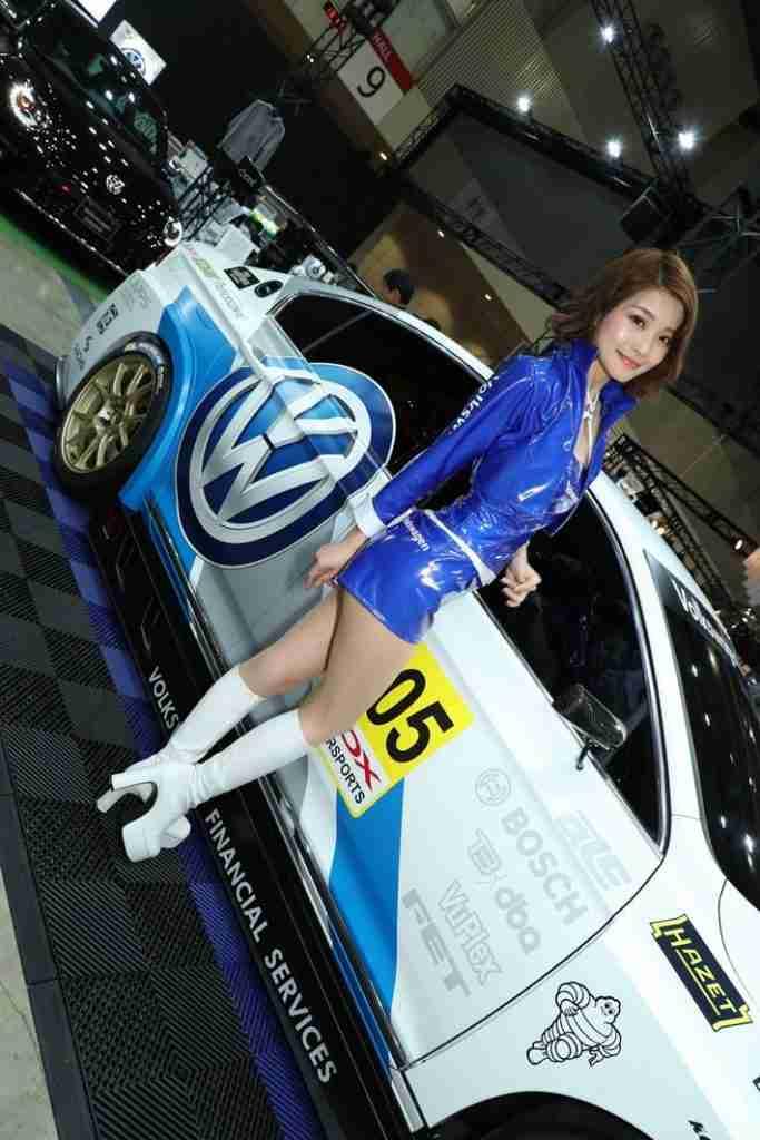 VWブースはロリ系コンパニオンからレースクイーンまで勢揃い!【東京オートサロン2018】(画像ギャラリー No.1) | 特集【MOTA】