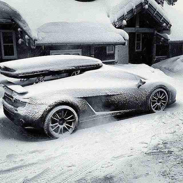 #Lamborghini #SportsCar #BugattiVeyron #LamborghiniHuracan Image, Automotive des…