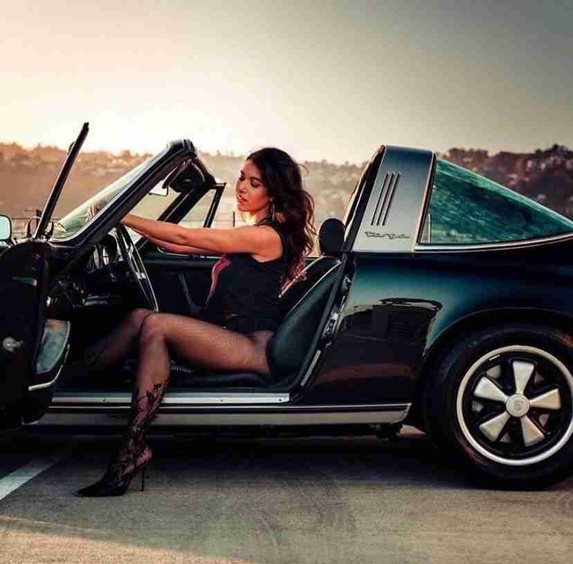"Porsche world vintage on Instagram: ""#porsche911targa #porscheclassic #porscheyellowbird #porschestreet #porschefashion #porscheworldvintage #porschewoman #porschecult…"""