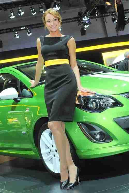 2012 Moscow International Auto Show Girls Part 2