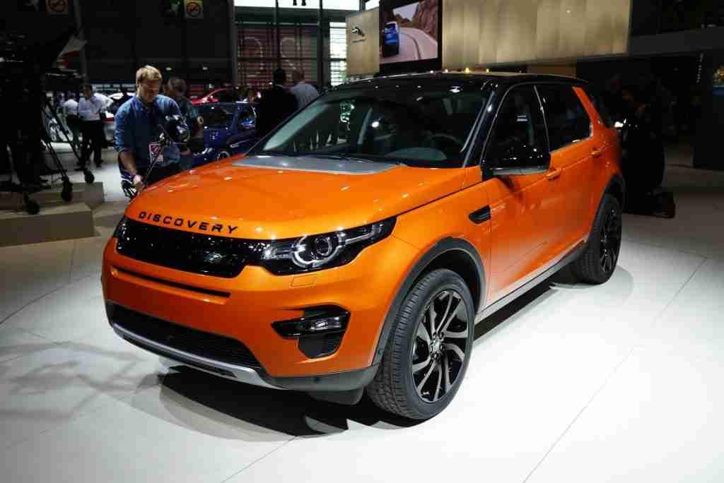 2015 Land Rover Discovery Sport live photos: 2014 Paris Motor Show
